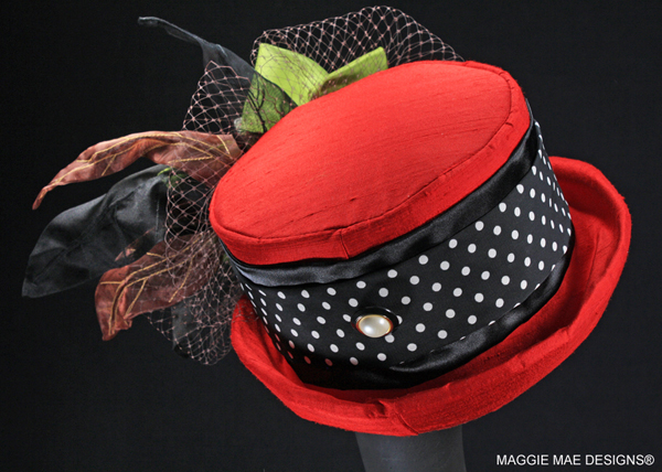 "The ""Bint Marscay"" auction hat - ""Hats Off to the Horses"""