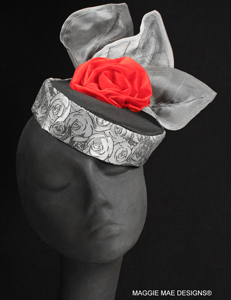 "The ""Julietta"" mini cocktail hat for Derby"