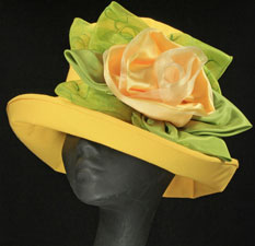 Linen hats for the Derby