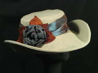 Linen hats for carriage driving