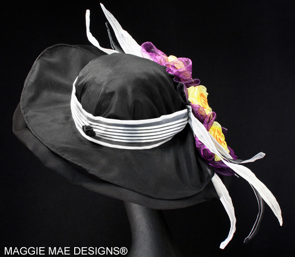 "The ""Williamstown"" auction hat - ""Hats Off to the Horses"""
