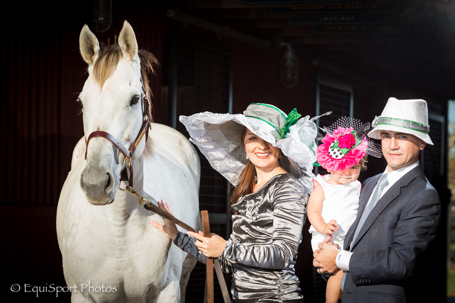 """Yankee Fourtune"" Hat modeled by Jamie, Brian and Joshlyn Hernandez - Matt/Wendy Wooley, EquisportPhotos.com"